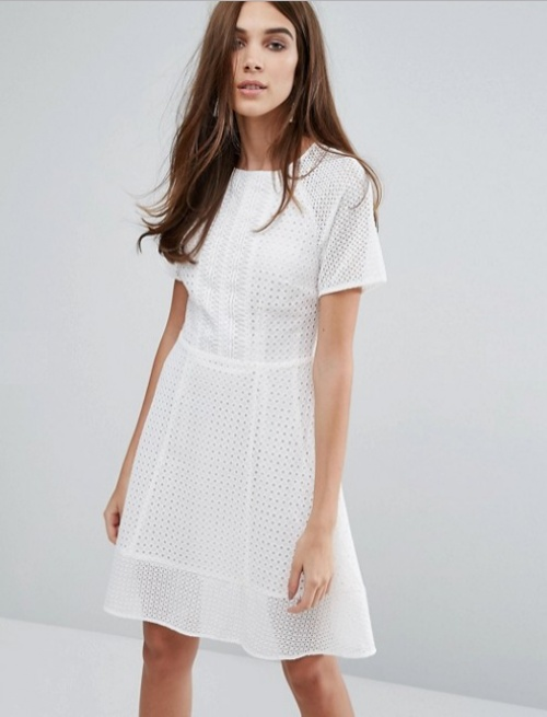 Warehouse robe patineuse blanche