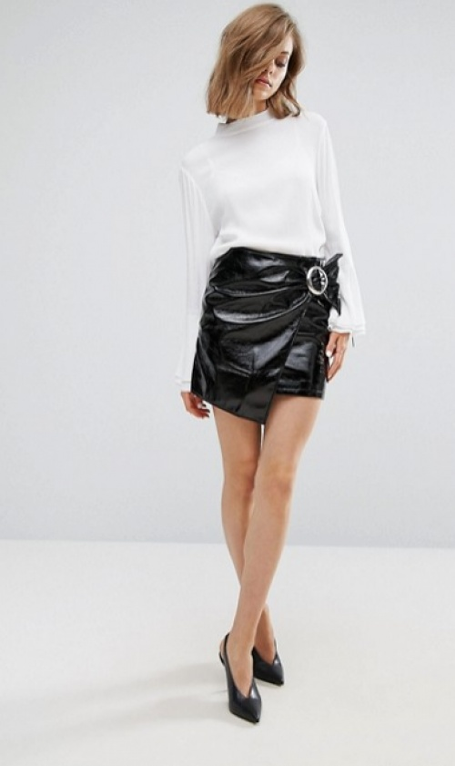 Mini-jupe portefeuille vernie