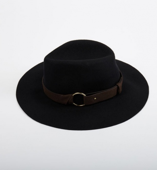 chapeau boucle