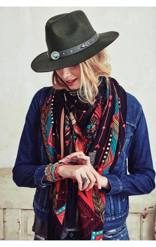 Amenapih chapeau
