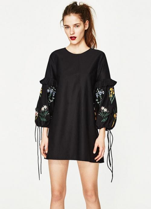 Zara - robe à manches brodées