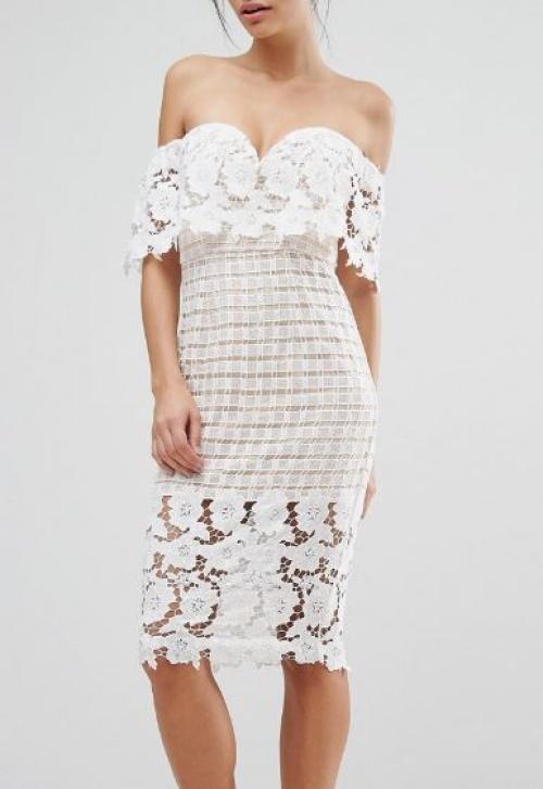 Love Triangle - robe mi-longue en dentelle