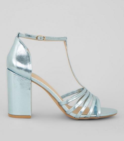 Sandales bleues métallisées à talons et brides multiples