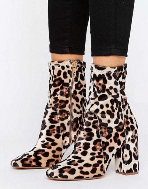 Bottines souples motif léopard à talons