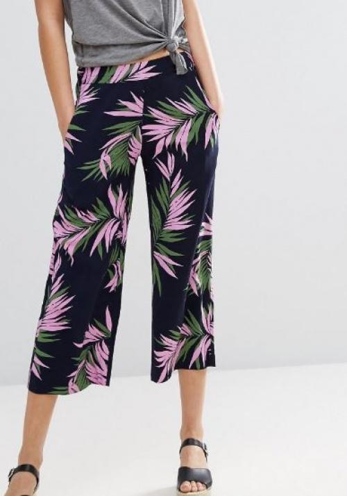 Warehouse - Pantalon court à imprimé palmiers
