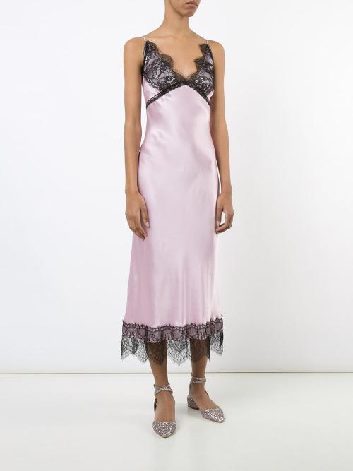 Slip dress rose à dentelle