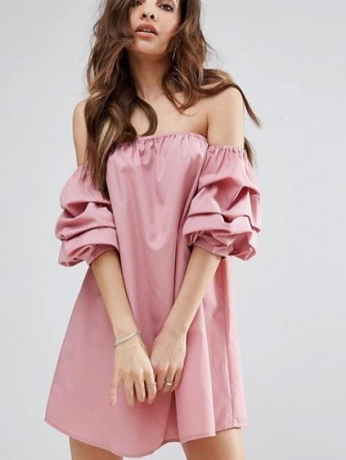 PrettyLittleThing - Robe droite à encolure Bardot et manches froncées
