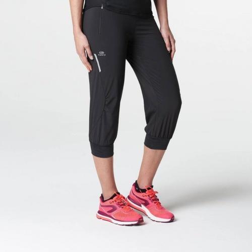 Confortable et ample, ce pantacourt de running est parfait pour courir à l'aise.