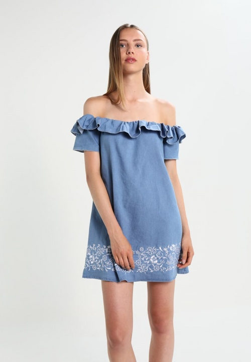 Robe en denim avec broderies