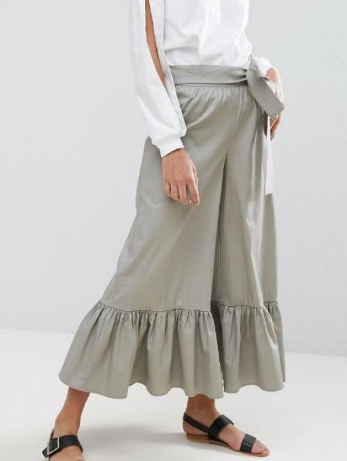 Asos - Pantalon large taille haute avec lien à la taille et ourlet à volants