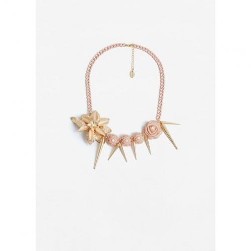 Collier à fleurs rose pastel