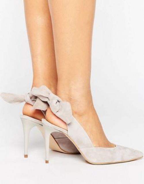 Chaussures à talons en daim avec bride arrière nouée