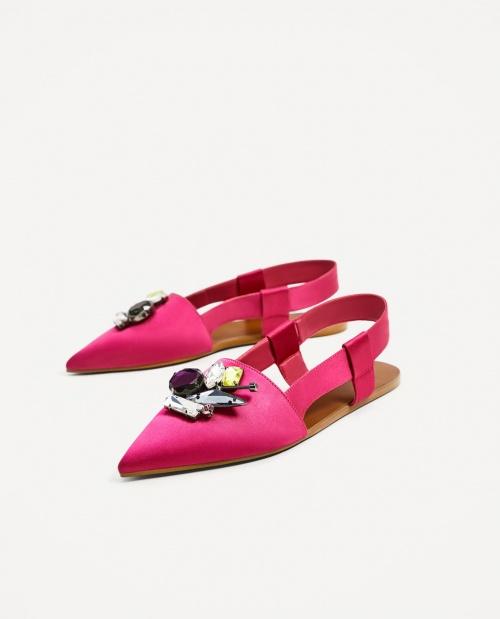 Chaussures plates avec bride arrière et détails bijoux