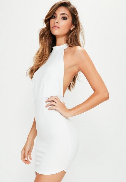 Robe blanche dos-nu