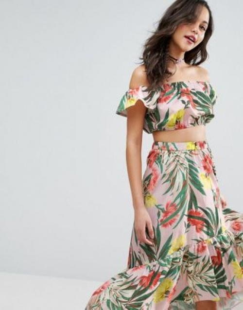 Top d'ensemble court à épaules dénudées et motif tropical fleuri