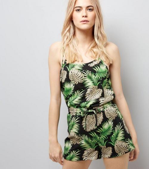 Short vert à imprimés tropical