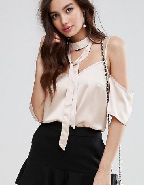 Fashion Union - Top épaules nues avec effet collier court