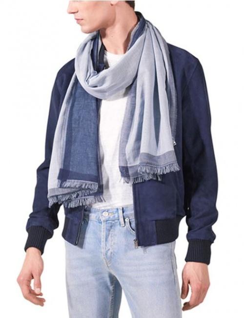 foulard bleu ciel