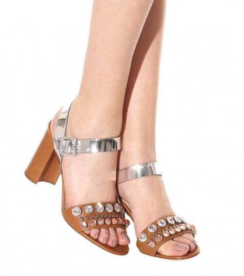 Sandales bicolores à strass