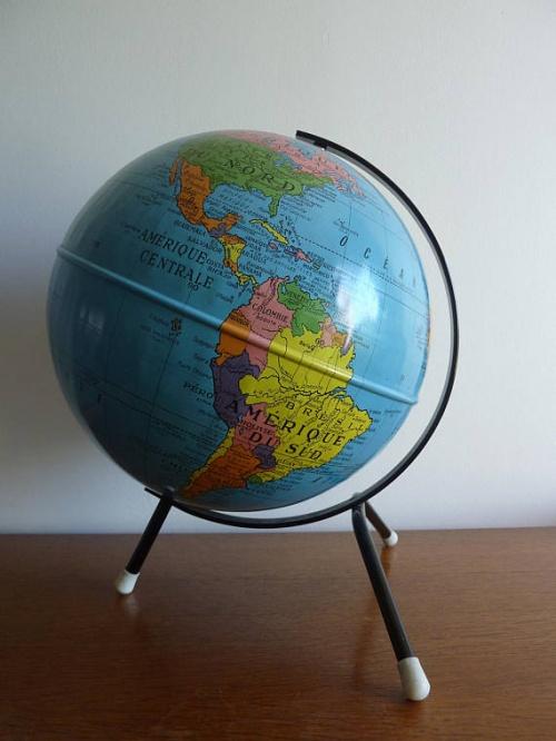 Les Perowskias - Globe