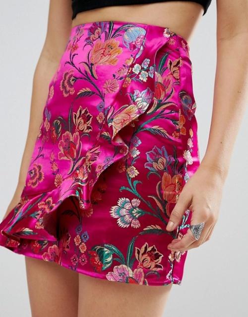 Glamorous - Mini-jupe en brocart à effet métallisé