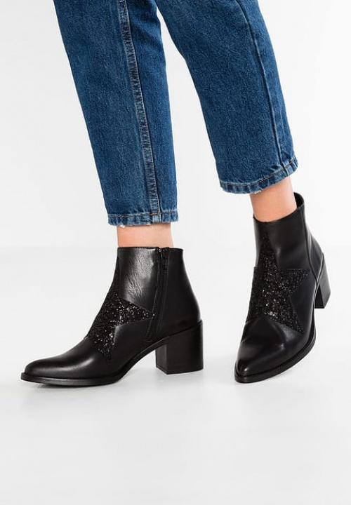 CTWLK - Boots