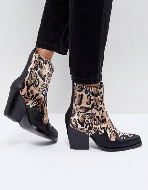 Sweet Cheeks - Boots