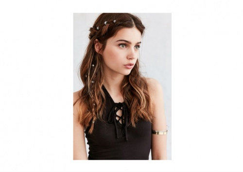 Urban Outfitters - Regal Rose Engraved Hair Charm Set