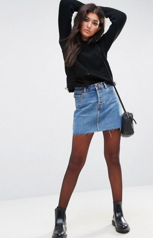 ASOS DESIGN - Mini-jupe taille basse en jean - Bleu délavé