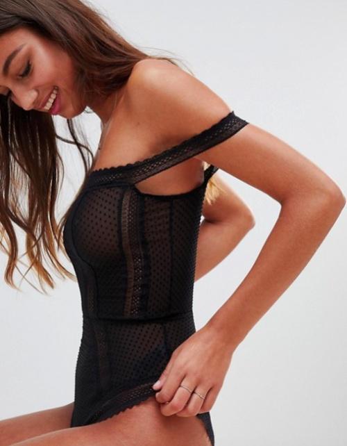 ASOS DESIGN - Willow - Body Style Bardot à Pois et Ornement en Dentelle