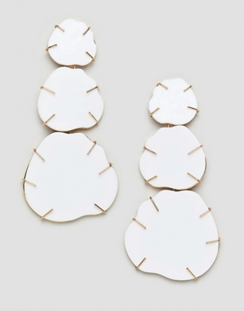 ASOS DESIGN - Boucles d'Oreilles en Résine avec Détail Doré - Blanc