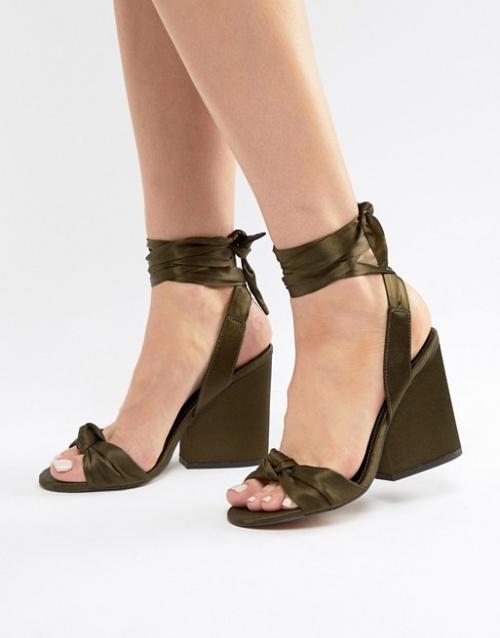 Sandales à talon et noeud kaki