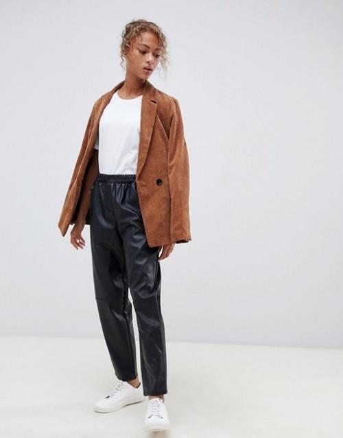 ASOS DESIGN - Pantalon en PU