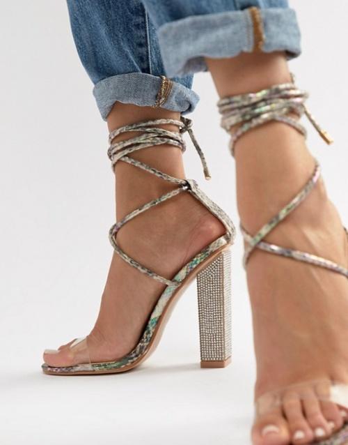 Sandales à talon ornementées python