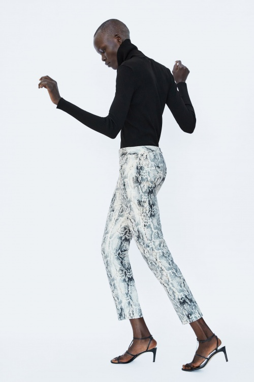 pantalon imprimé python