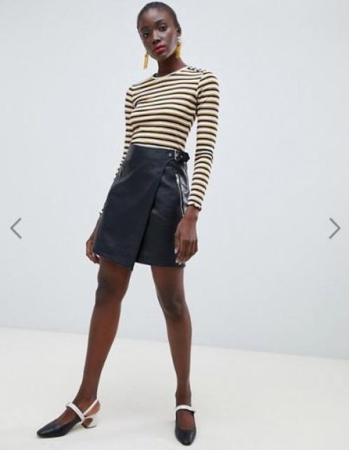 Warehouse - Mini-jupe portefeuille coupe trapèze en similicuir