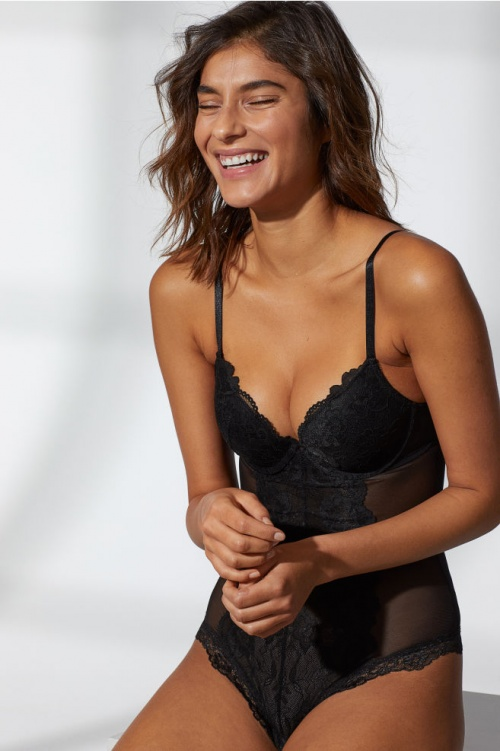 H&M - Body push-up façon string
