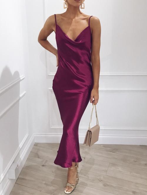 Pretty Lavish - Robe satinée