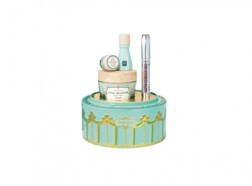 Benefit Cosmetics - B Right