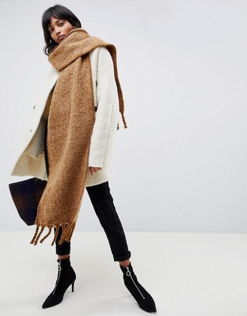 ASOS DESIGN - Écharpe longue bicolore et duveteuse à franges