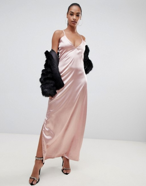 PrettyLittleThing - Robe longue nuisette soyeuse