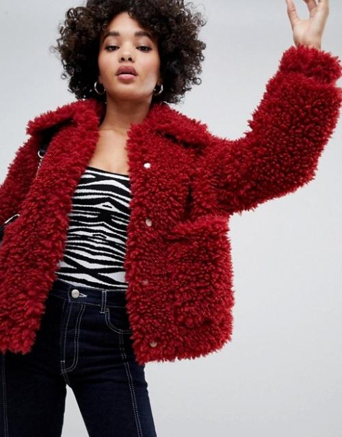 Missguided - Veste en imitation peau de mouton à longs poils - Rouge