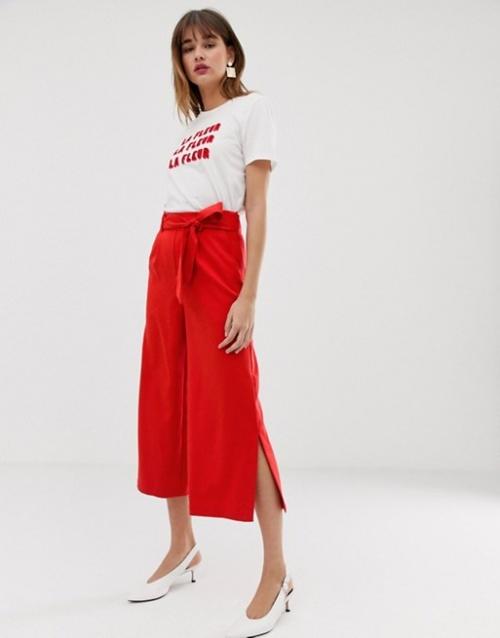 Warehouse - Pantalon court large avec ceinture nouée - Rouge