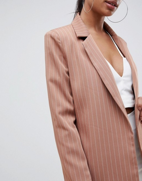 Missguided - Blazer coupe masculine à fines rayures
