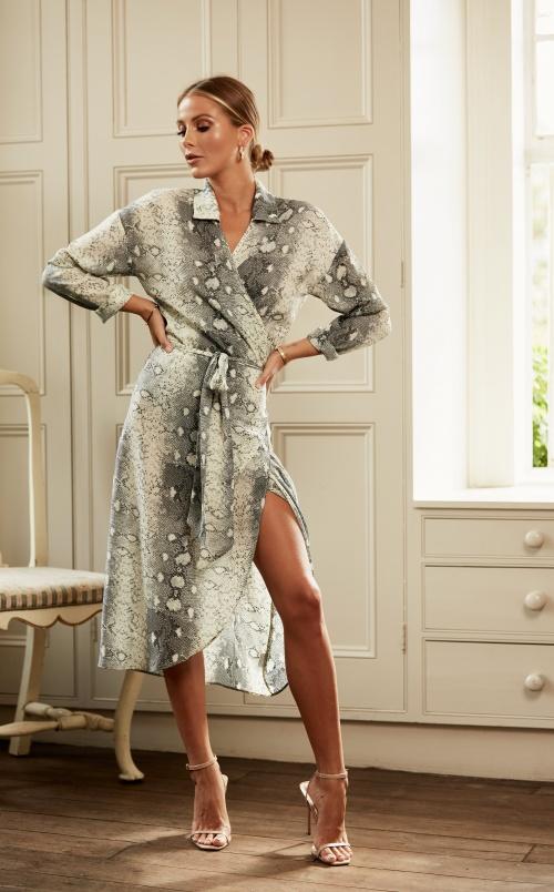Pretty Lavish - Robe portefeuille imprimée