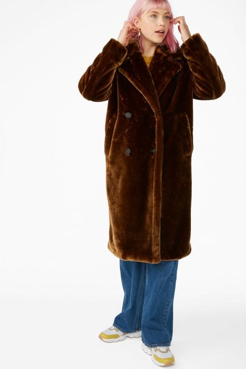 Monki - Manteau long en fausse fourrure