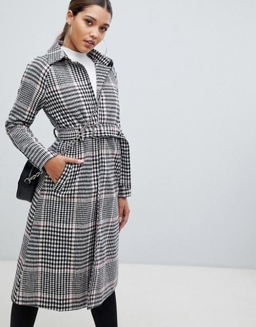 PrettyLittleThing - Manteau long à ceinture et carreaux