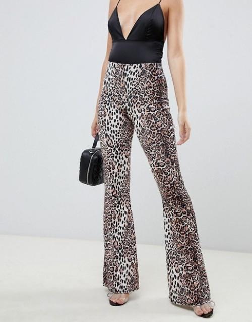 Missguided Petite - Pantalon évasé imprimé léopard