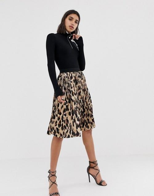 PrettyLittleThing - Jupe mi-longue plissée à imprimé léopard