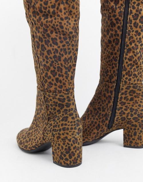 Monki - Bottes hauteur genou léopard à talons